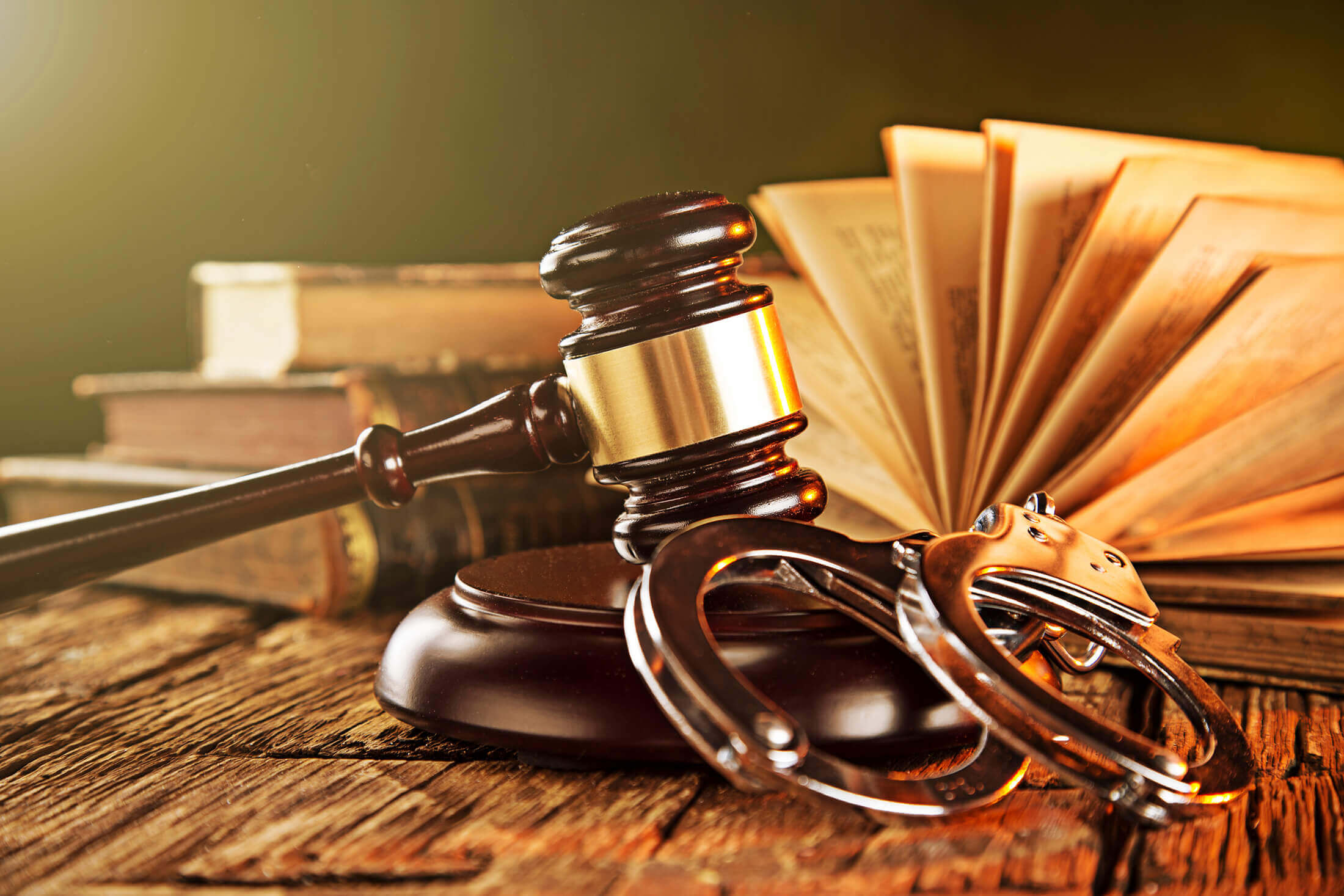 What to do when hiring a criminal defense attorney