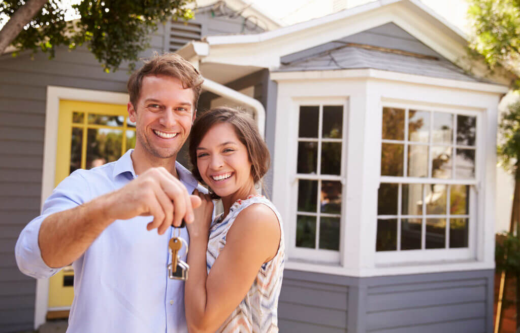 benefits of purchasing a new house When you buy a new house,  why don't most new-home buyers use real estate agents to help them navigate a brand-new house purchase.